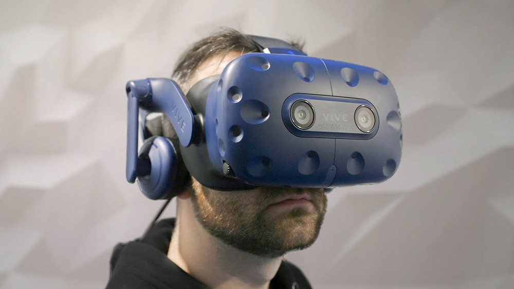 HTC's Vive Pro Eye VR headset with eye-tracking arrives for $1,599 - Read More from The Verge