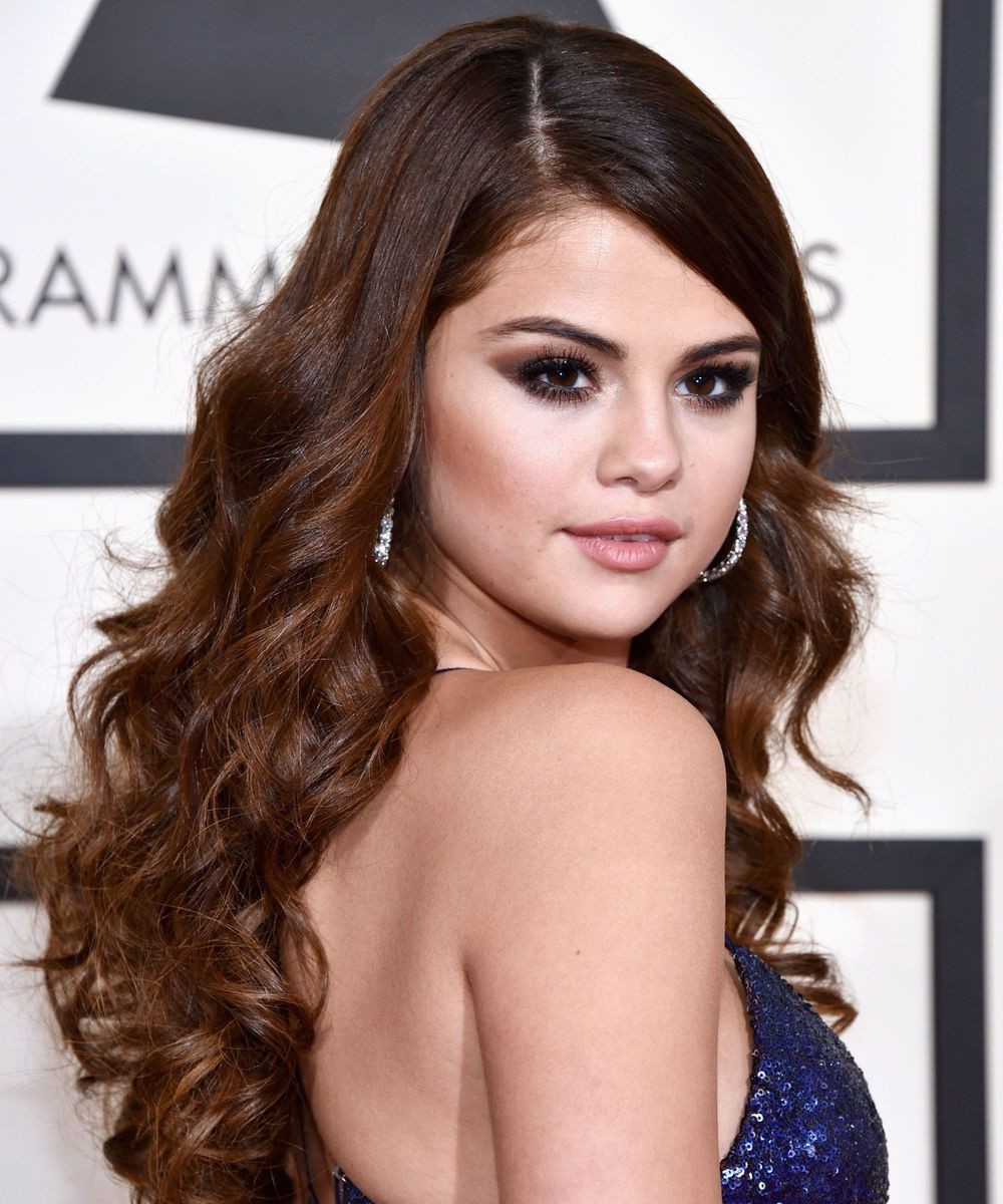 Selena Gomez at the 2016 Grammys with a curly do (Shop products to get a curly do)