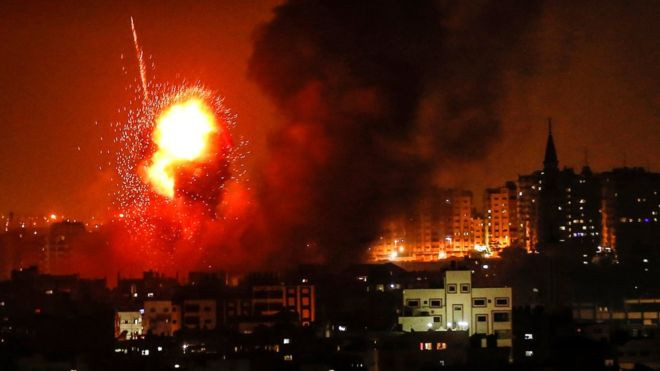 Israeli air strikes 'kill woman and toddler' - Read More from BBC News