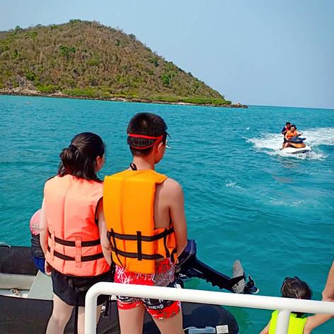 yacht and jetski charter pattaya.jpg