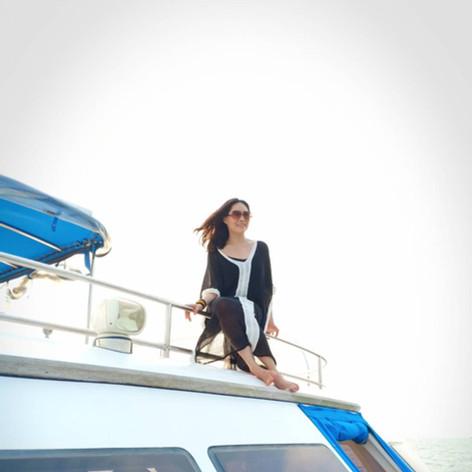 customer single shot on yacht flybridge.