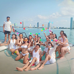 Yacht front deck group photo outting.jpg