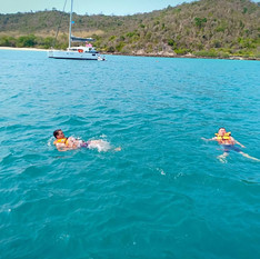 Swiming at Koh pai Pattaya.jpg
