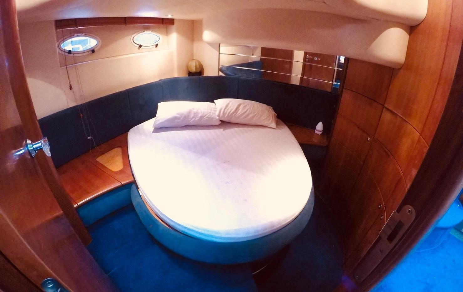 MY460 bedroom.jpg