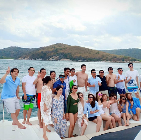 Yacht front deck group photo 2.jpg
