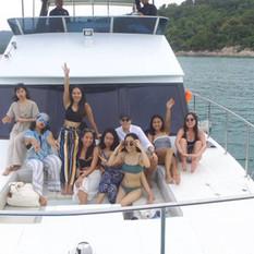 freind group on yacht koh pai pattaya.jp