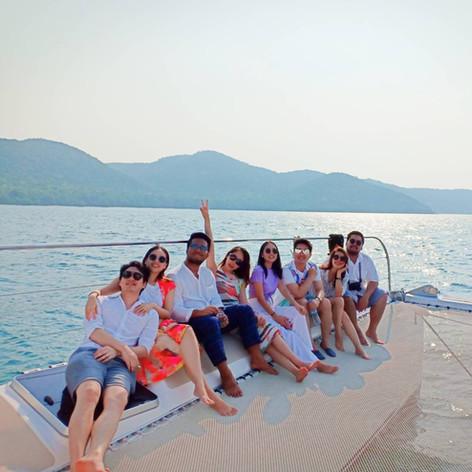 customer photo on yacht trampoline patta