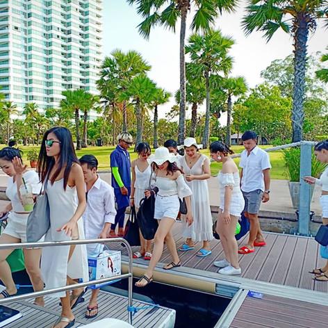 boaring yacht at ocean marina yacht club