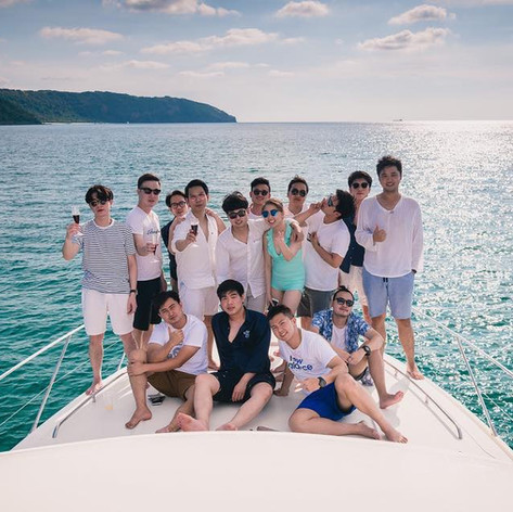 Pattaya Yacht front deck group shot.jpg