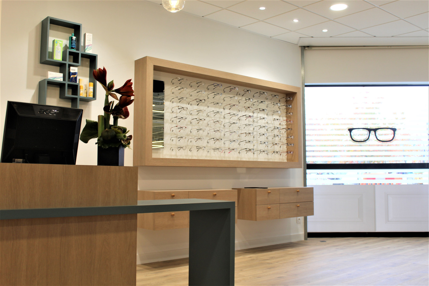 Aménagement et décoration d'un magasin d'optique