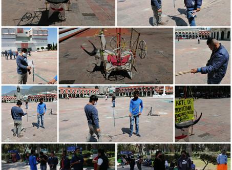 Cueteros se manifiestan a las afueras de plaza Juárez