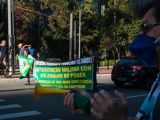 Ato bolsonarista na Paulista foi enfraquecido por protestos democráticos