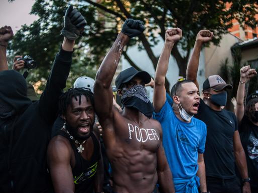 Policiais arrastam, chutam e agridem manifestantes em São Paulo