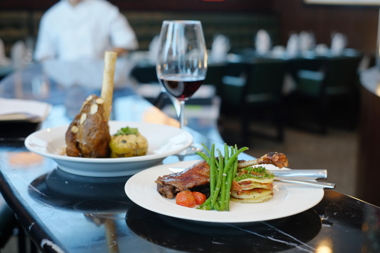 16 dining options