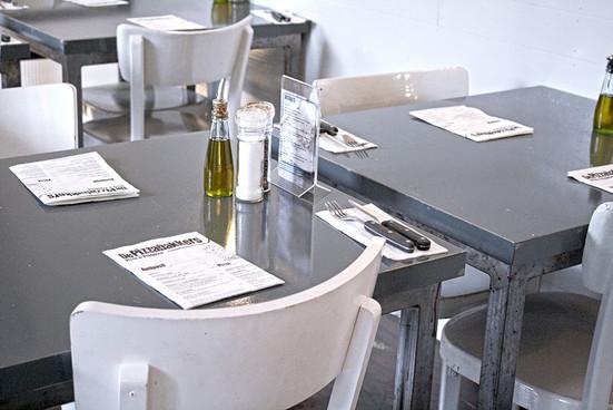 DePizzabakkers_restaurant4.jpg