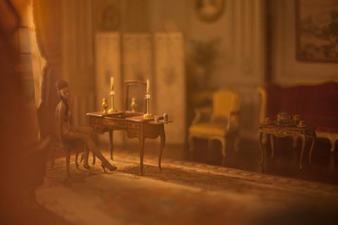 Aaron-Nace-A-Dolls-House-Jamie-Table.jpg
