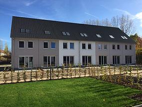 Berliner Wohnbau Fenster-Rolladen.jpg
