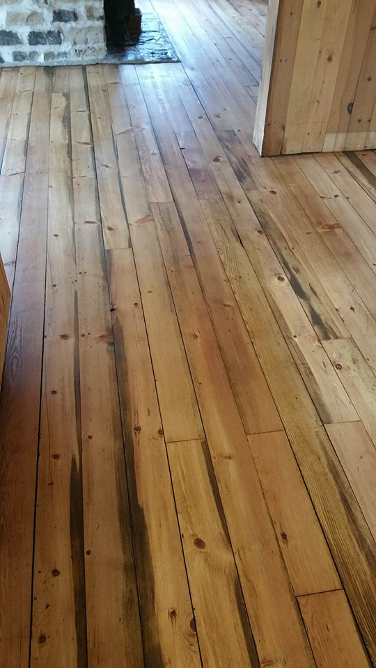 Plancher en pin