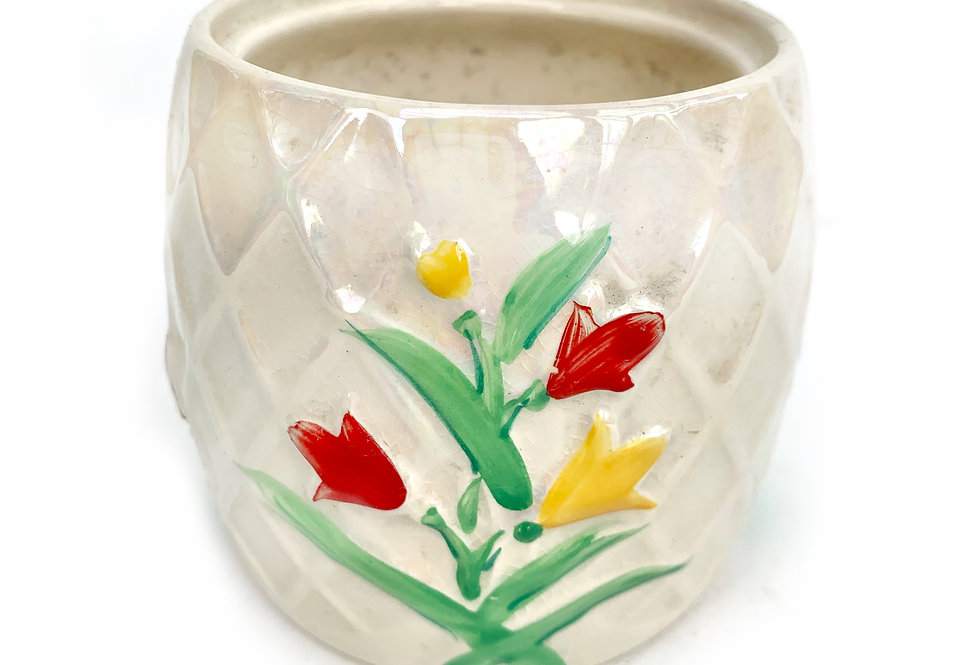 Hand painted vintage 'Wade' pot with pearl glaze