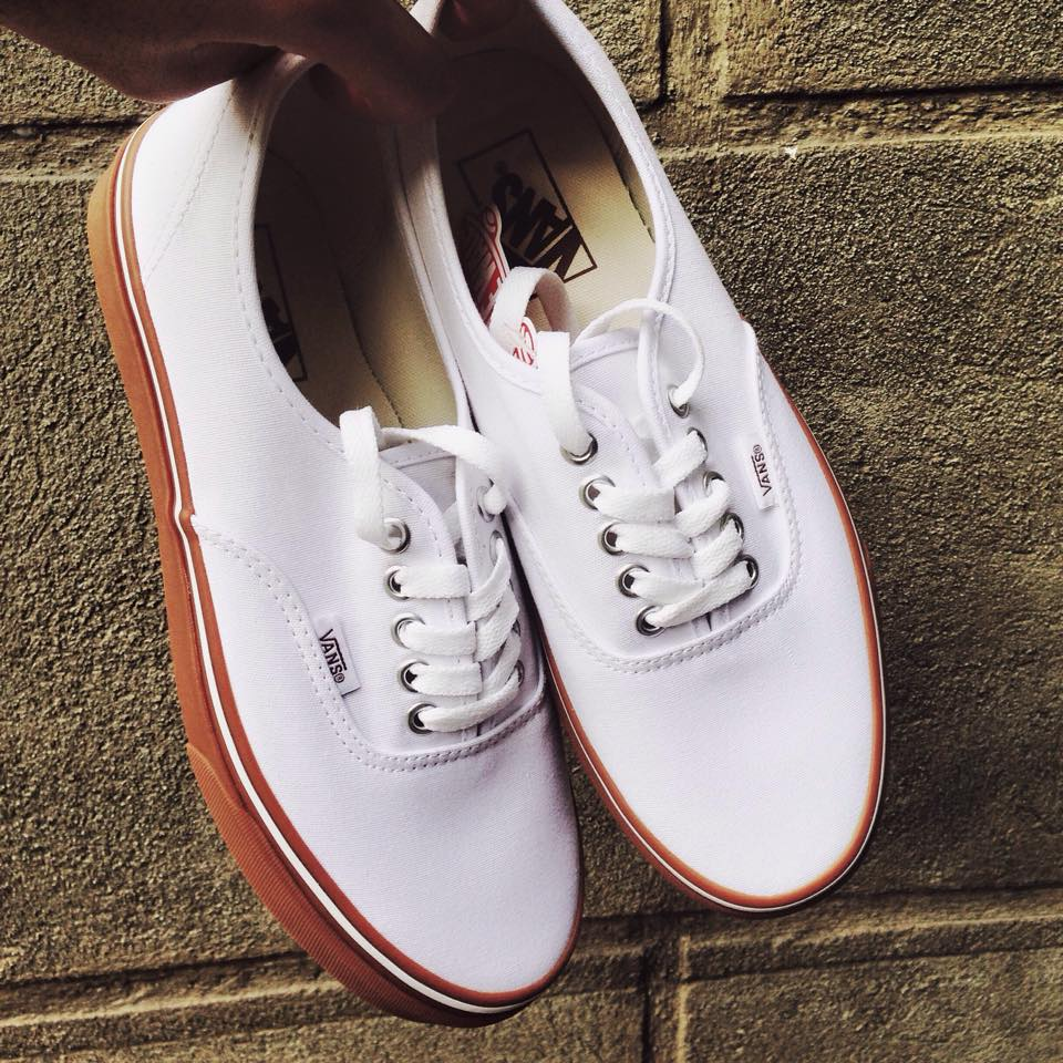 Vans Authentic White Gum sole. | ykmp