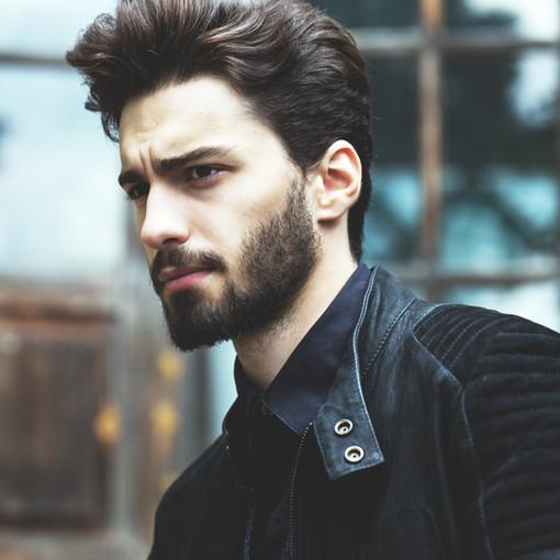 Longer coiffures and beards rock!