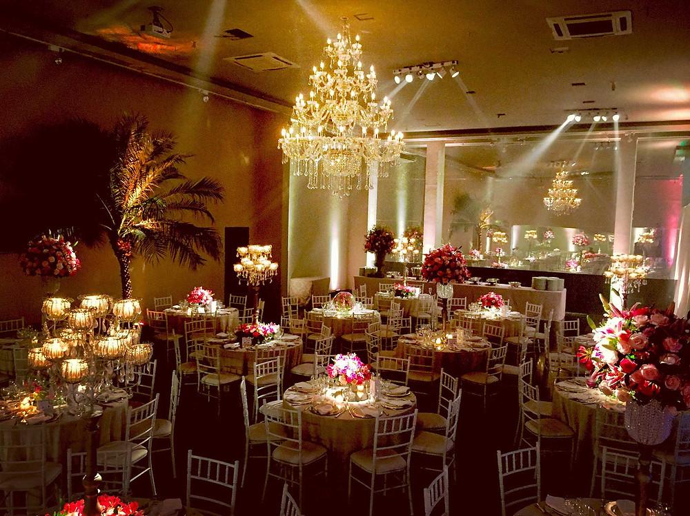 Mini Wedding com mais de 50 convidados no Restaurante Jardim Colonial com cerimonia religiosa em ambiente exclusivo - Brunch aos domingos: