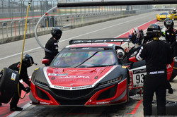 Pit stop for the No 93 Acura NSX GT3 Evo