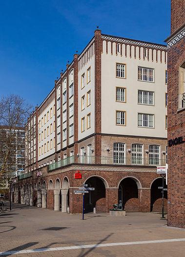 Kanzlei Gebäude Rostock.jpg