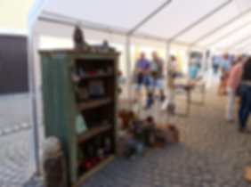Alter Kasten am Kunst- und Handwerksmarkt