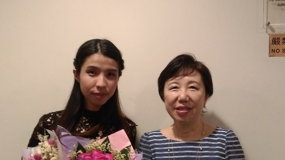 Zoe and her organ teacher, Miss Kin Yu Wong. She is also a renowned and superb organist in Hong Kong.