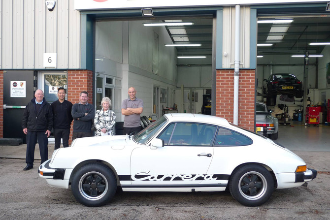 Reunite with owner and her 911 3.0 carrera after 30 years.