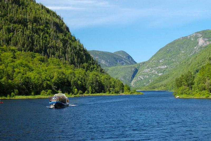 PHG - Croisiere en bateau-mouche sur la riviere Malbaie1.jpg