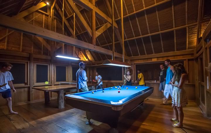 mentawai-kandui-villas-the-game-room-01
