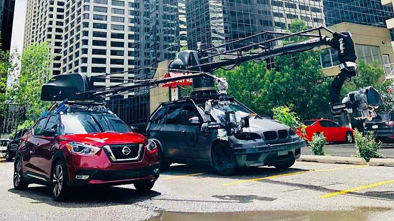Russian Arm Dynamic on Nissan next to BMW X5M Russian Arm