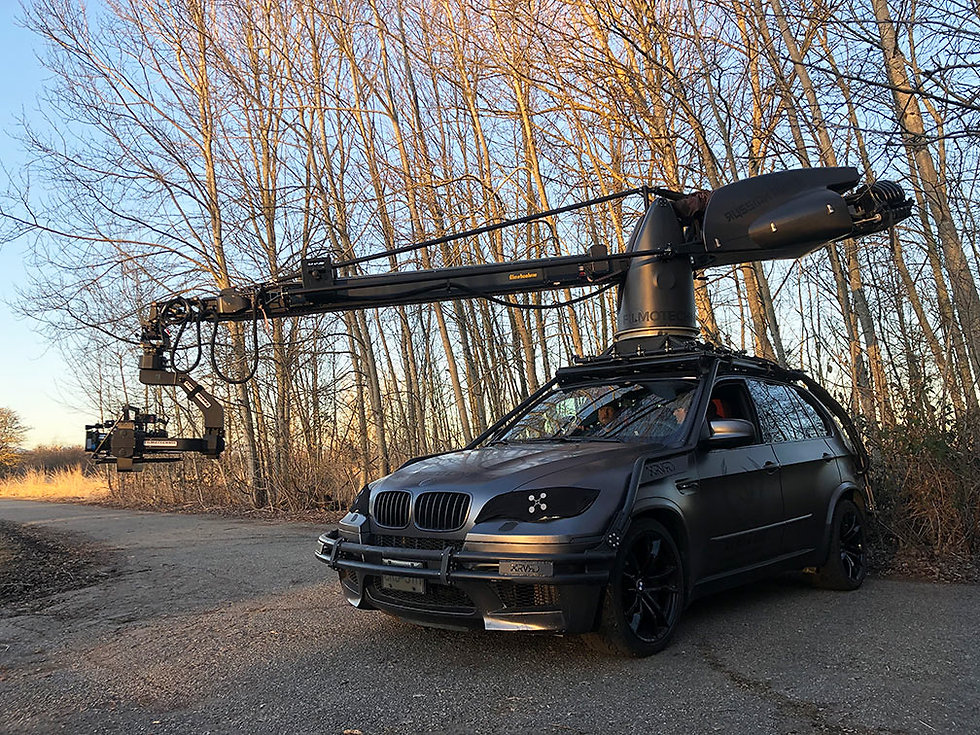 BMW X5M with Telescopic Russian Arm