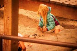 Girl Digging web res.jpg