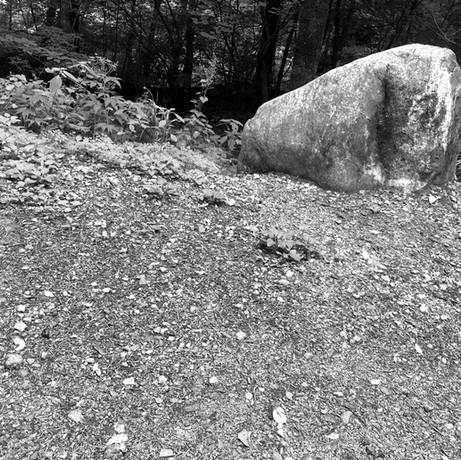 돌은 흙의 할아버지