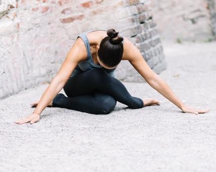 Online Yin Yoga Special - Starte entspannt ins neue Jahr! mit Geraldine - 06. Januar 10:30-12:00