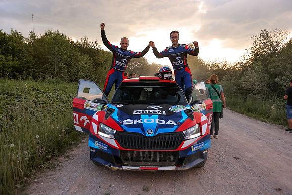 Miko Marczyk i Szymon Gospodarczyk zwyciężyli w 1. rundzie Rajdowych Samochodowych Mistrzostw Polski
