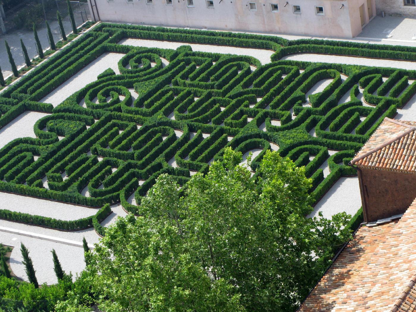 Garden Maze