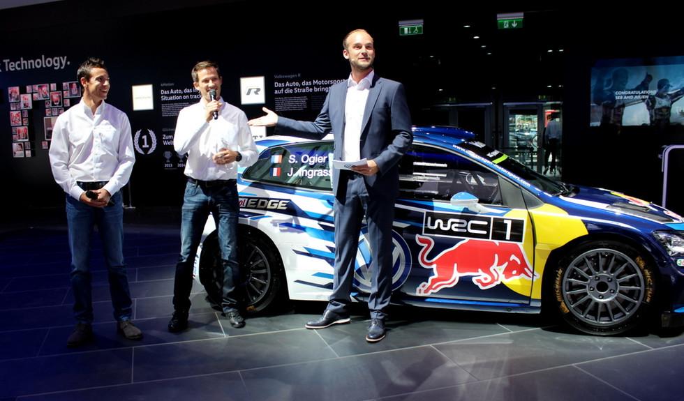 Felix Schlebusch im Interview mit den Rallye Weltmeistern Sébastien Ogier und Julien Ingrassia auf der IAA in Frankfurt.