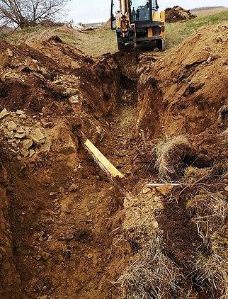Kanalisatsiooni-kraavi-kaevamine.jpg