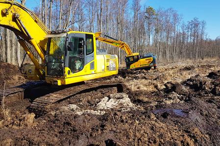 Gaasitrassi-kaevamine-soos