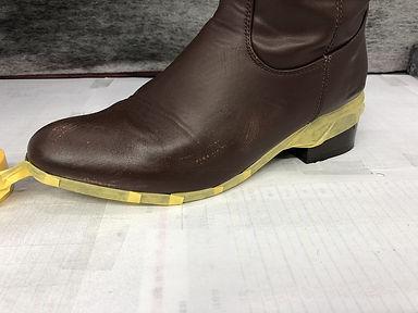 靴 ブーツ マスキング 補色