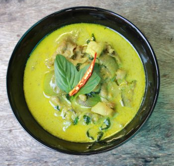 Poulet au Curry vert et lait de coco