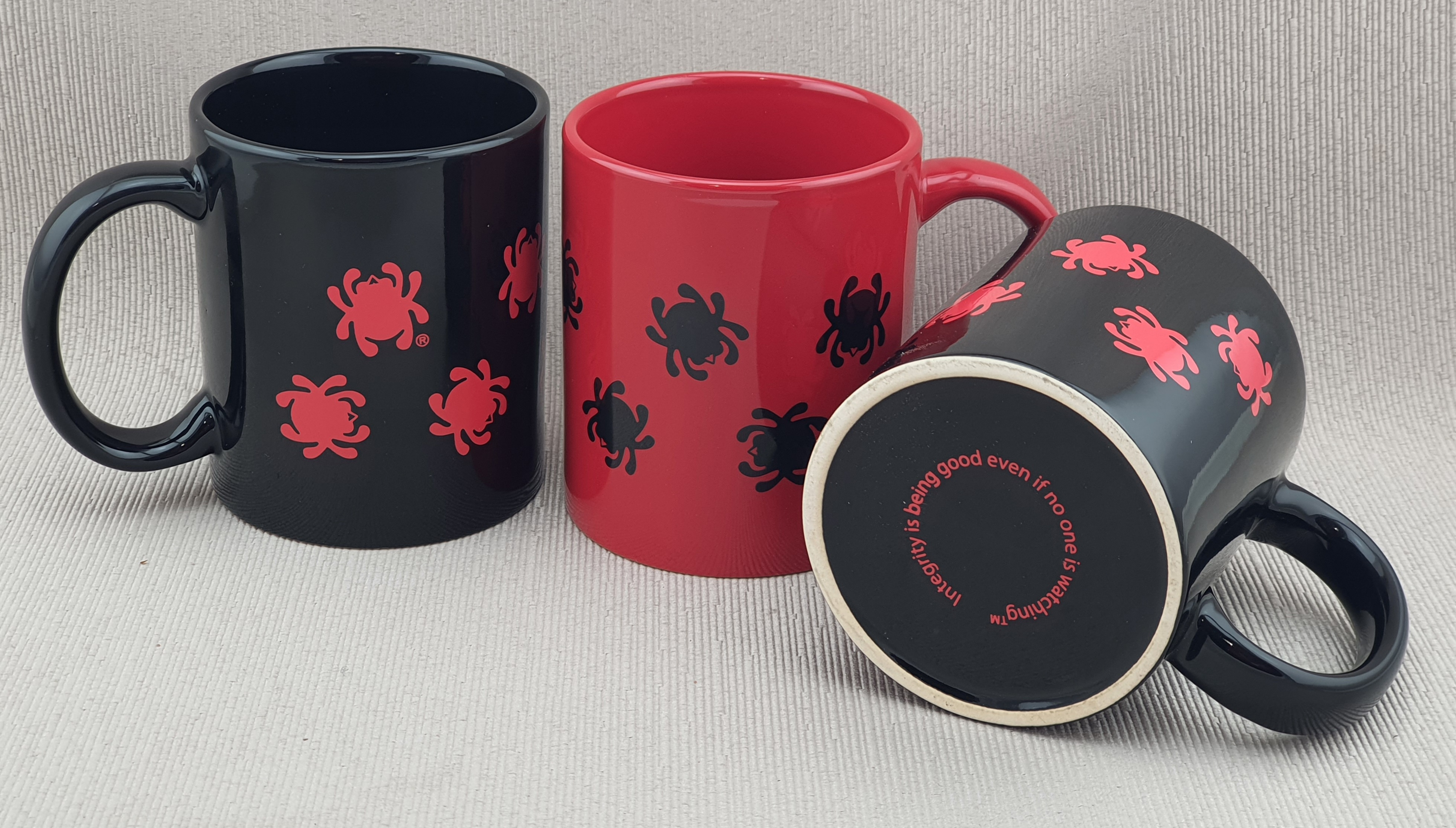 Spyderco Mugs red and black