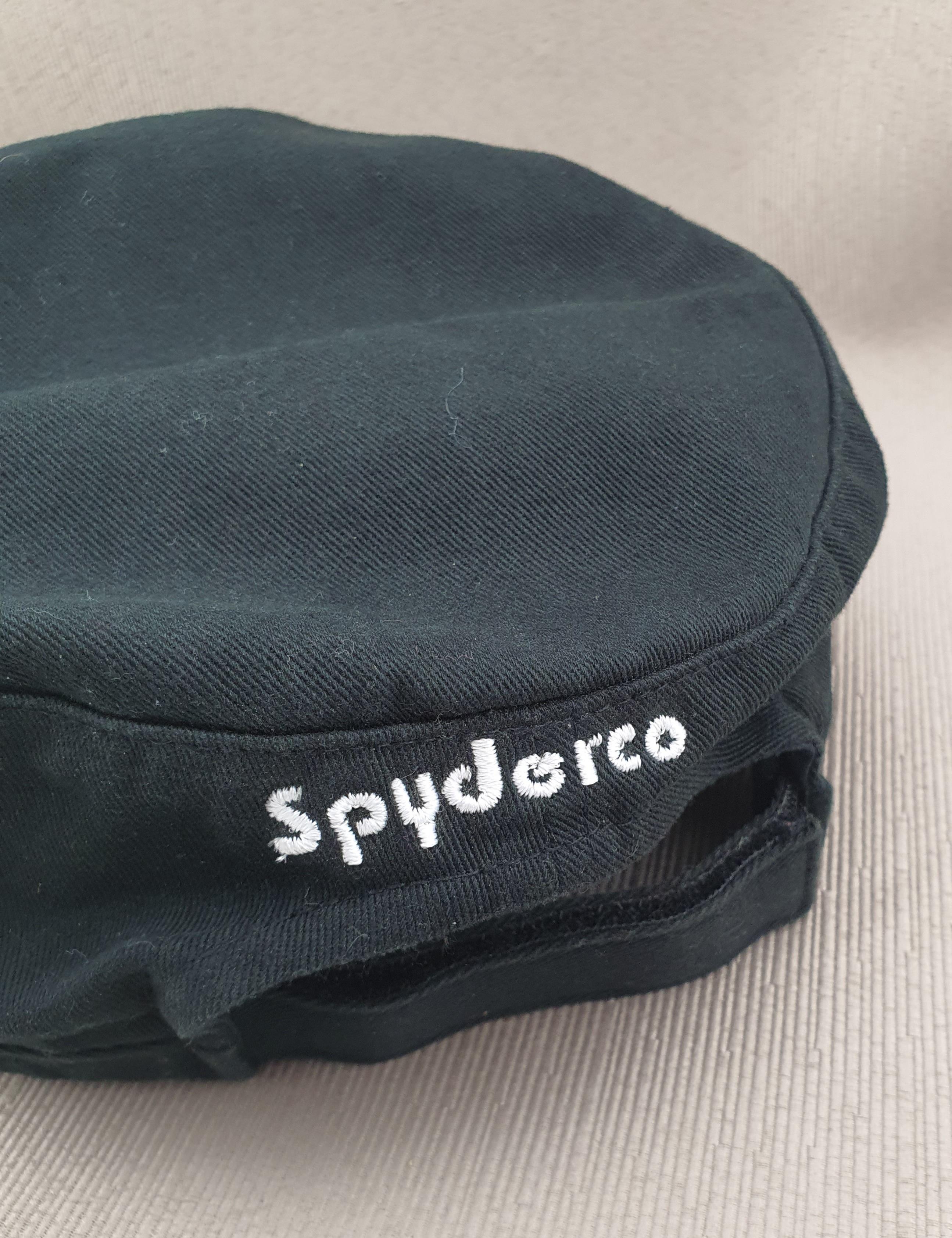 Spyderco Hat 4 back view
