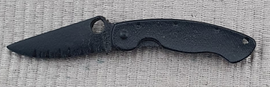 Spyderco Military black Pin