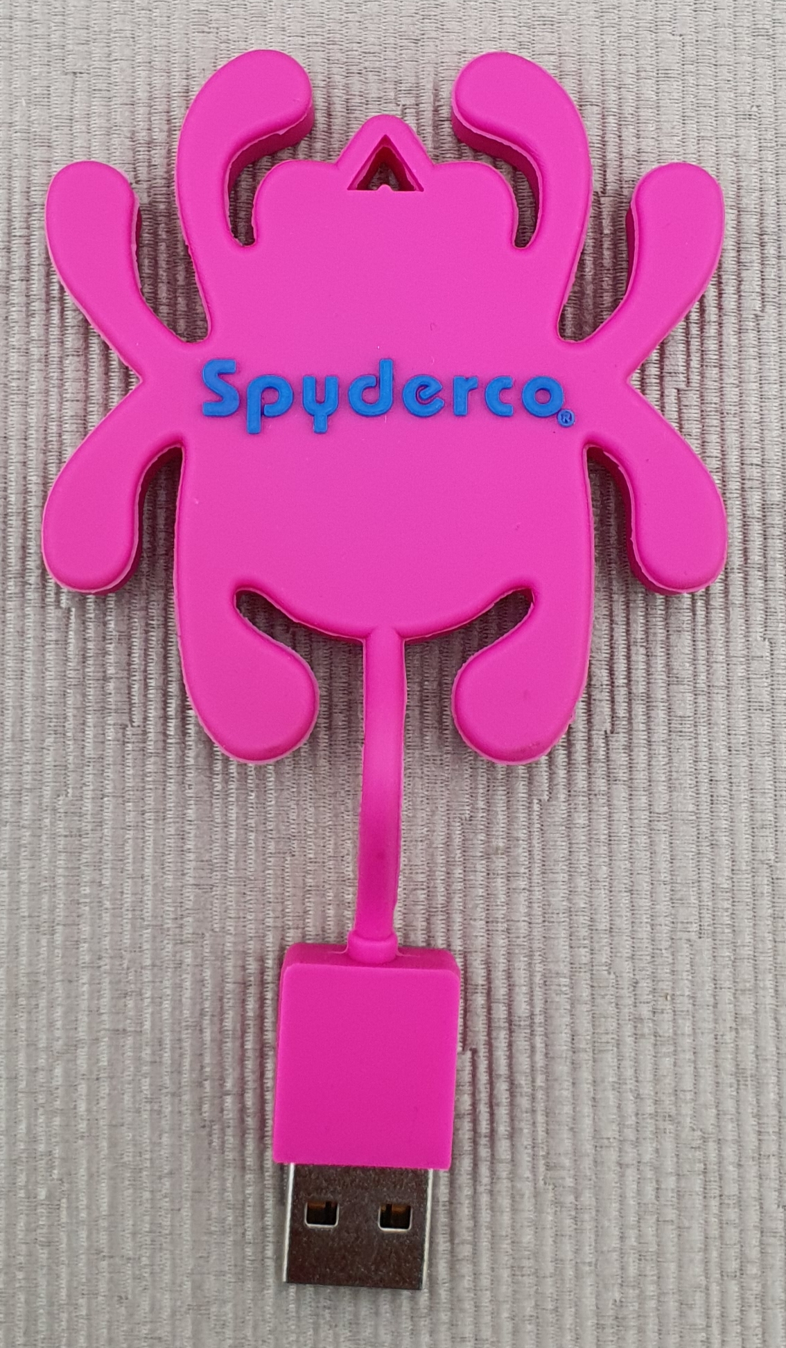 Spyderco flashdrive pink open