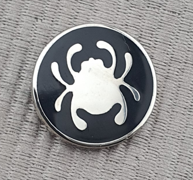 Spyderco hat pin